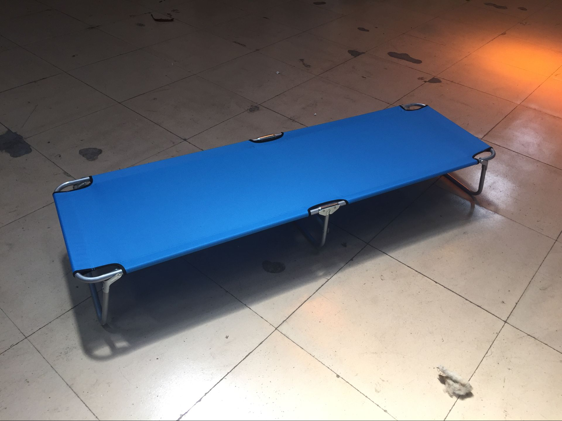 Customized Professional Folding Sun Bed,camping Metal Bed with Certificate